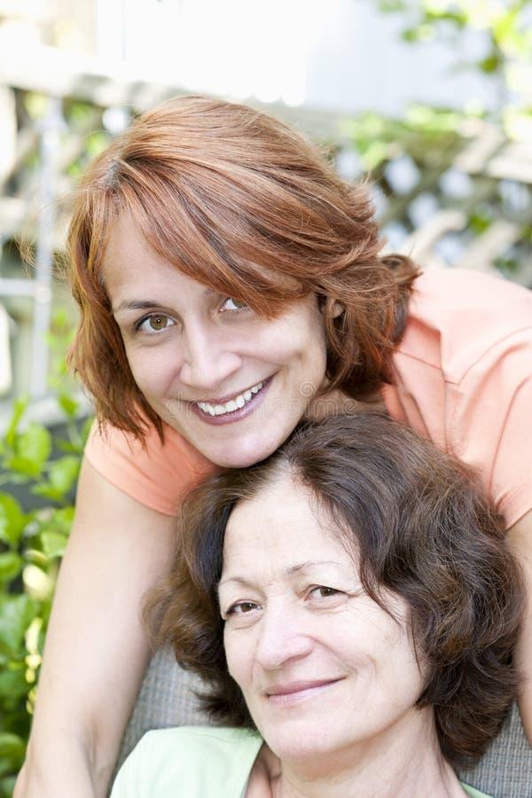 Madre e figlia mature fotografia stock