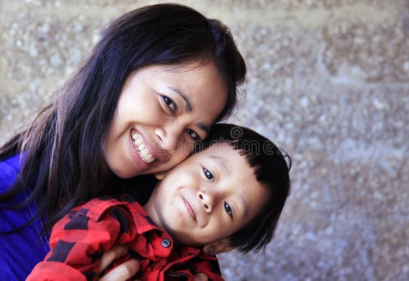 Madre e figlio asiatici immagini stock