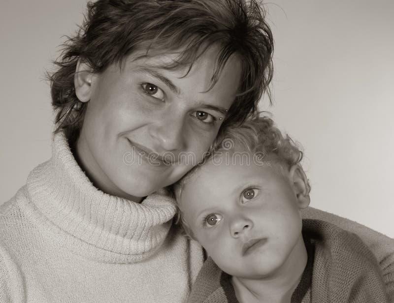 Download Madre e hija foto de archivo. Imagen de hembras, mujer - 181428