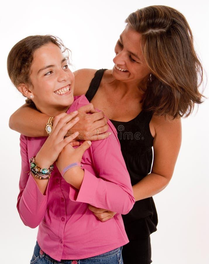 Madre e hija cómodas imagen de archivo