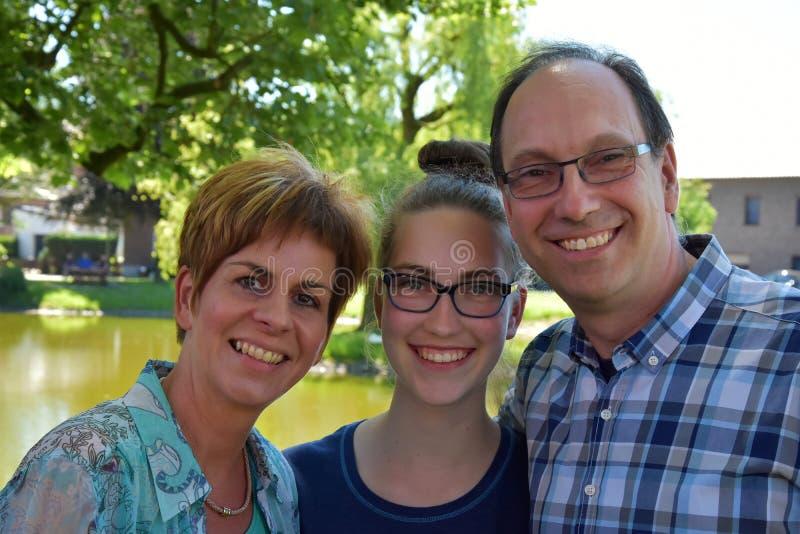 Madre e hija del padre foto de archivo libre de regalías