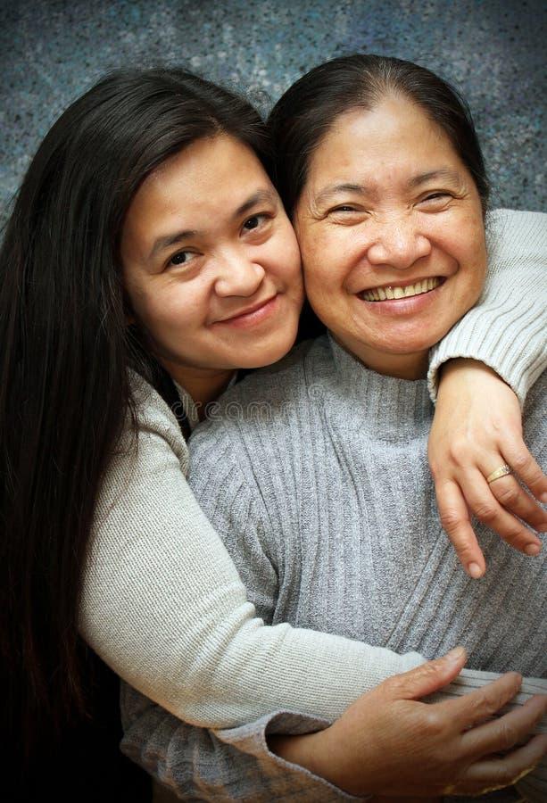 Madre e hija madurada fotos de archivo libres de regalías