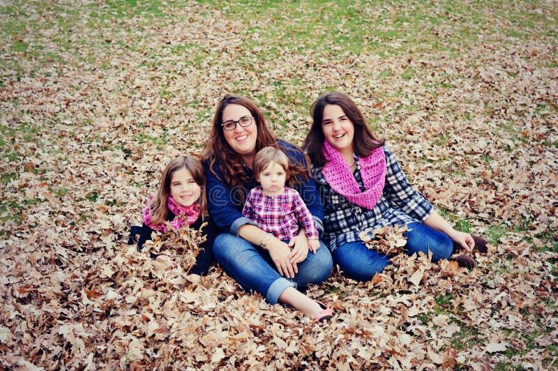 Madre e hijas fotografía de archivo