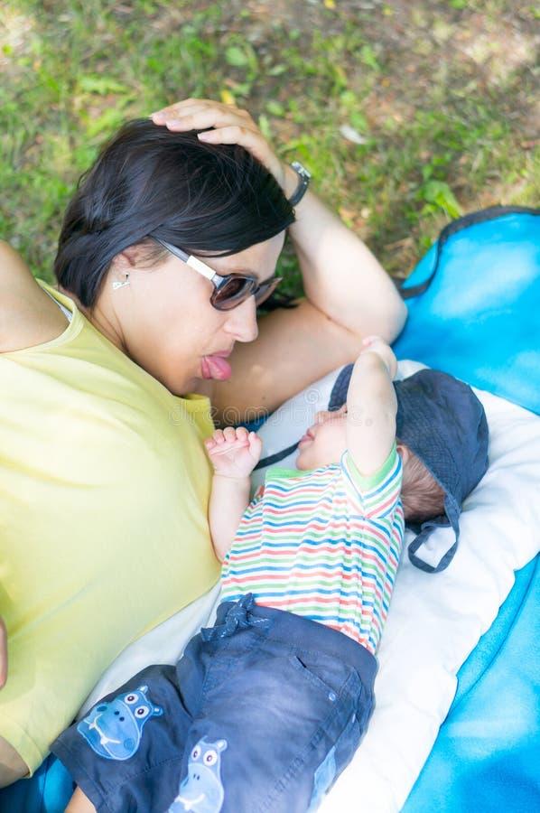 Download Madre e hijo foto de archivo. Imagen de madre, asoleado - 44856694