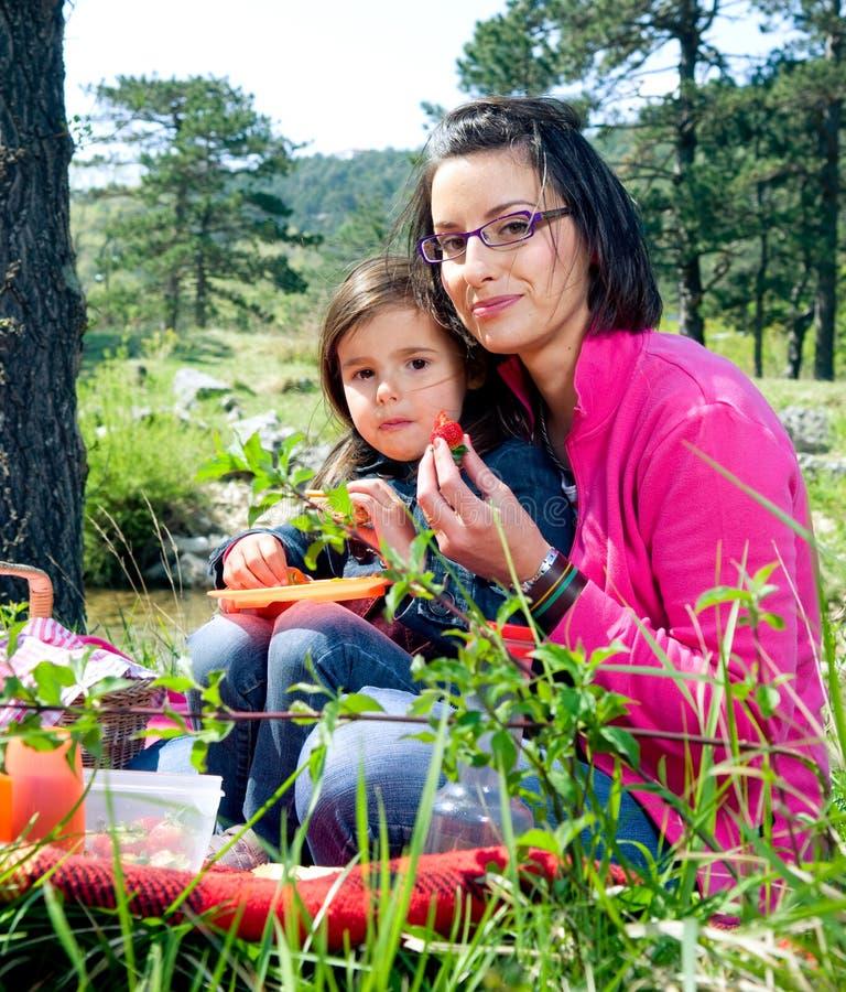 Madre e la sua figlia immagine stock