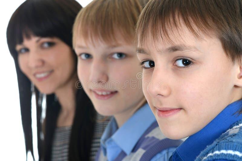 Madre ed i suoi due figli fotografie stock libere da diritti