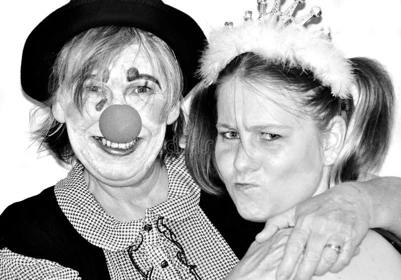 Madre mayor con la hija en trajes del vestido de lujo foto de archivo libre de regalías