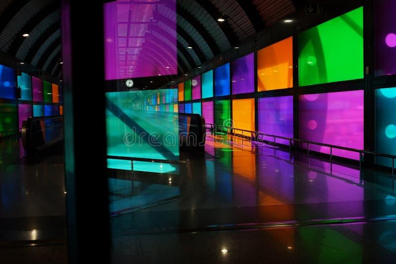 Madrid, Espagne - 8 avril 2011 : Détail d'architecture du ceilin photographie stock