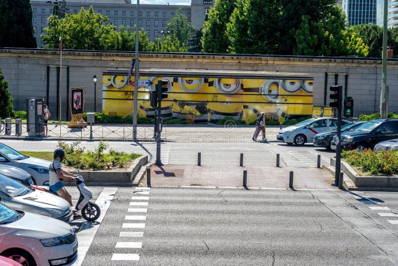 Madrid, Espagne - 17 juin : Subordonnés peints à côté du trafic SI photographie stock libre de droits