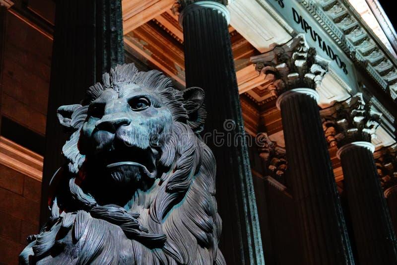 Madrid, Espagne ; Le 6 janvier 2019 : Le congrès des députés illuminés la nuit image stock
