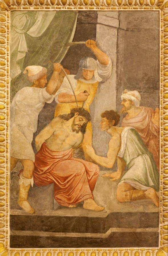 Madrid - fresco de la coronación con las espinas de Jesús en la iglesia gótica San Jeronimo el Real imagen de archivo