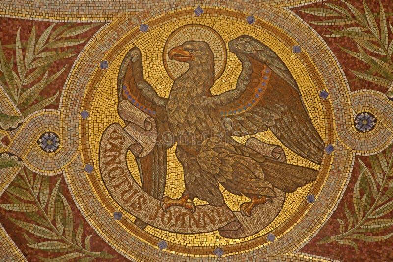 Madrid - Mozaïek van adelaar als symbool van Heilige John de Evangelist royalty-vrije stock afbeeldingen