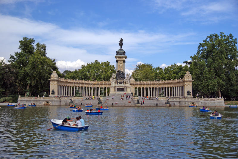 Download Madrid park editorial image. Image of cloud, tourist - 23630830