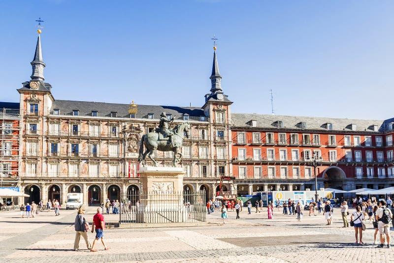 MADRID SPAIN-11, 2015: Plazaborgmästare - en av de centrala fyrkanterna arkivbild