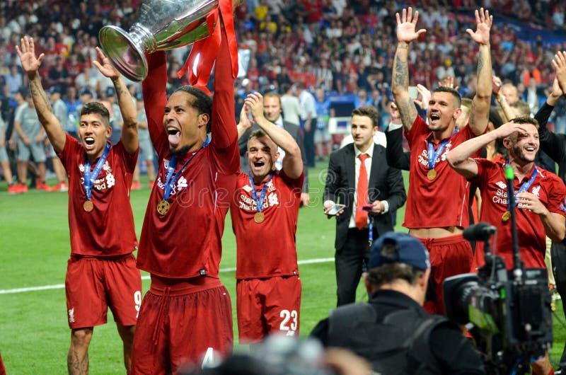Madrid, Spanien - 1. MAI 2019: Liverpool-Spieler feiern ihr Gewinnen des UEFA Champions League 2019 nach dem Endspiel lizenzfreie stockfotografie
