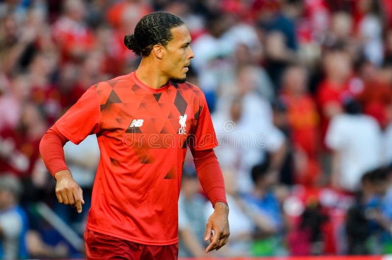 Madrid Spanien - 01 MAJ 2019: Virgil van Dijk spelare under den UEFA Champions Leaguefinalmatchen 2019 mellan FC Liverpool vs royaltyfria bilder