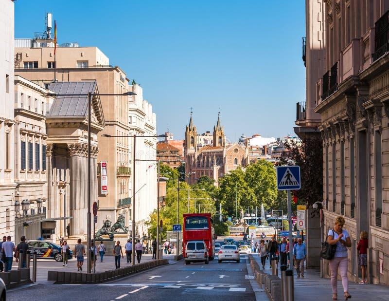 MADRID SPANIEN - SEPTEMBER 26, 2017: Kyrka av St Jerome den kungliga San Jeronimo el Real - Roman Catholic kyrkan royaltyfri bild
