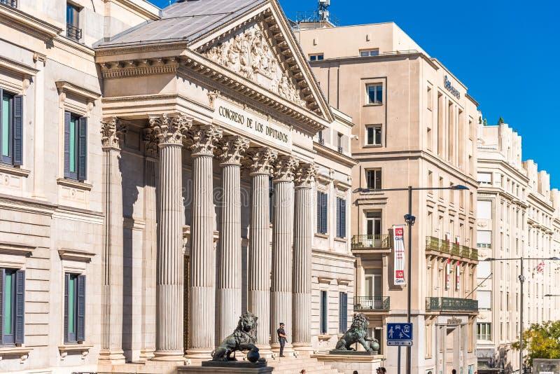 MADRID SPANIEN - SEPTEMBER 26, 2017: Palacio de las Cortes eller Con royaltyfria bilder