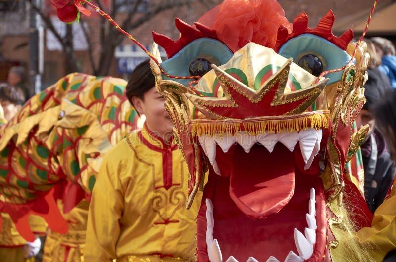 MADRID, SPANJE; 01 28 2017: CHINEES NIEUWJAAR 2017 OPTOCHT IN HET DISTRICT VAN USERA IN MADRID royalty-vrije stock fotografie