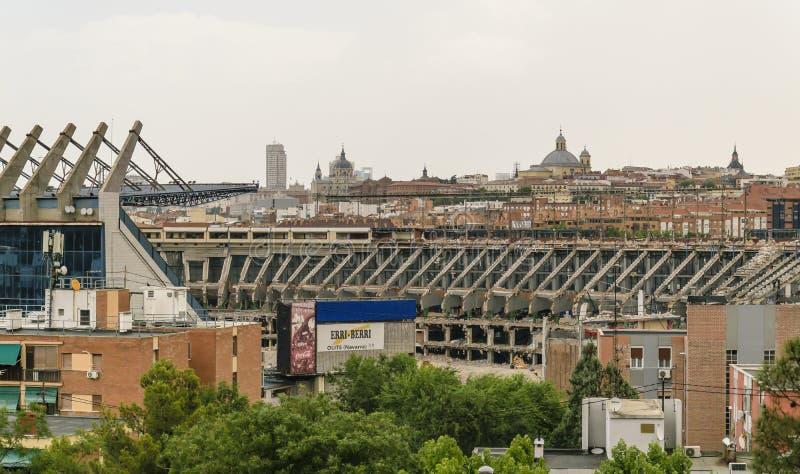 MADRID, SPANJE, 14 JULI, 2019: Vernieling van Vicente Calderón Stadium, vroeger hoofdkwartier van de voetbal van Atlético DE Madr stock fotografie