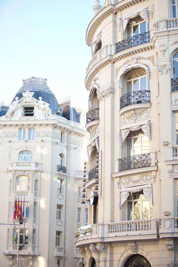 Madrid Spanje, mooie historische gebouwen in het stadscentrum stock foto