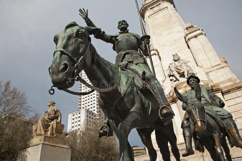Madrid - trek Don Quichot en Sancho Panza van het gedenkteken van Cervantes aan stock afbeelding