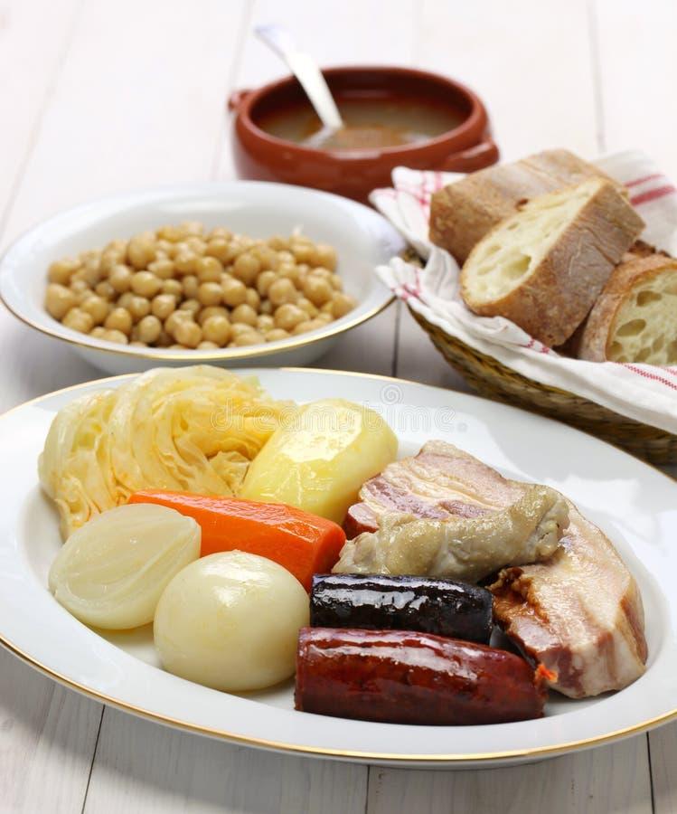 Madrileno di Cocido, cece e stufato della carne di maiale fotografia stock libera da diritti