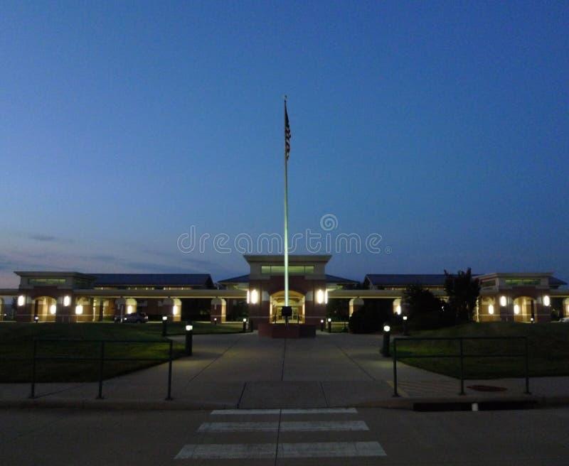 Madrugada del exterior de Smith Regional Airport del fuerte imagen de archivo