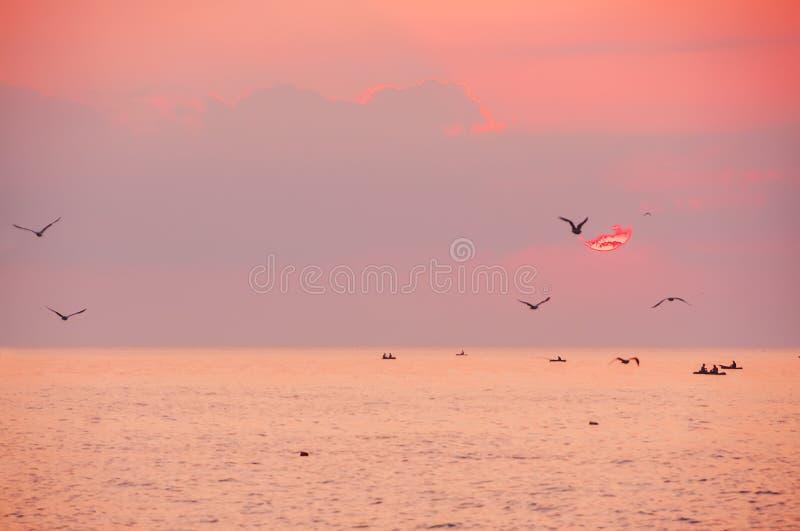 Madrugada en el mar, fotografía de archivo libre de regalías