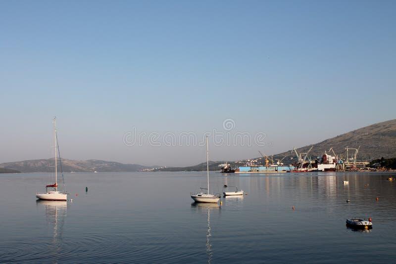 Madrugada en la isla de Ciovo Croacia fotos de archivo