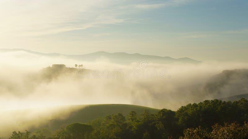 Madrugada en Toscana, Italia imagen de archivo libre de regalías