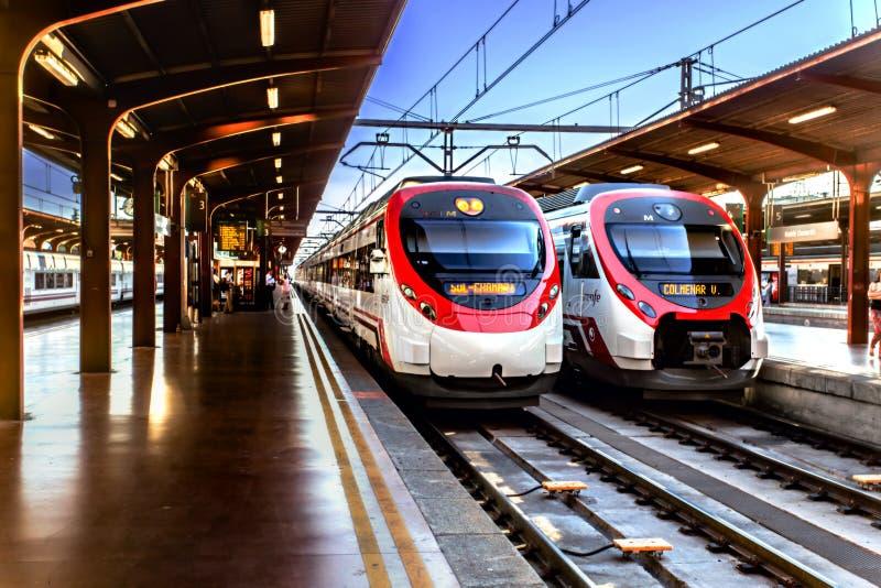 Madryt - august 3,2017: Alvia pociąg Hiszpańska linia kolejowa Renfe a fotografia royalty free