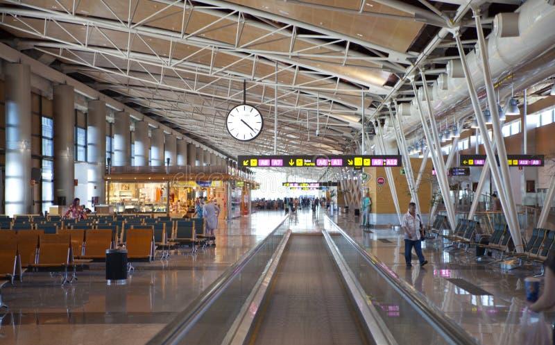 MADRYT HISZPANIA, MAJ, - 28, 2014: Wnętrze Madryt lotnisko, wyjściowy czekania aria zdjęcia royalty free