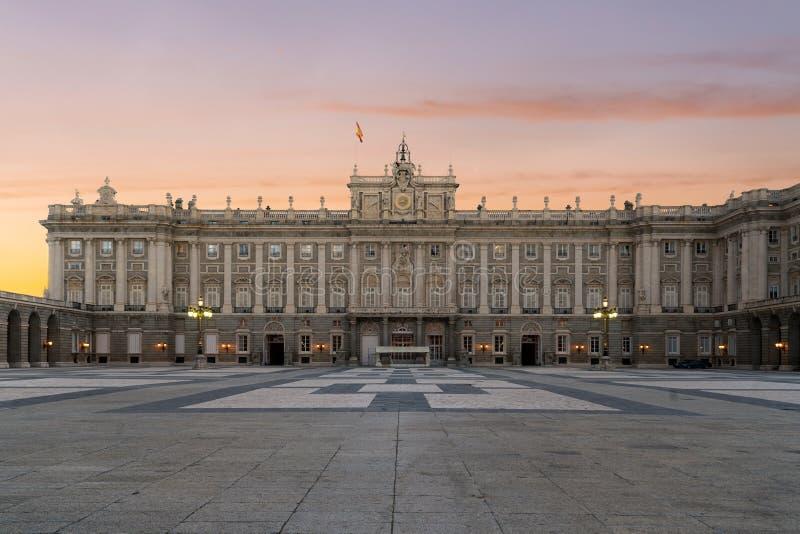 Madryt Royal Palace w pi?knym letnim dniu przy zmierzchem w Madryt, Hiszpania zdjęcia royalty free