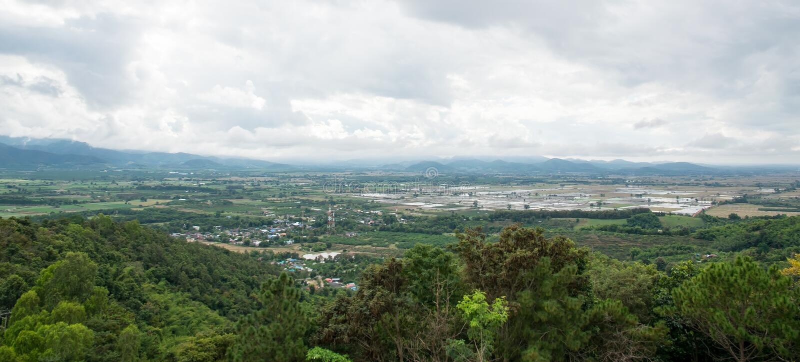 Mae Ai从Wat thaton寺庙的区视图在清迈 免版税库存图片