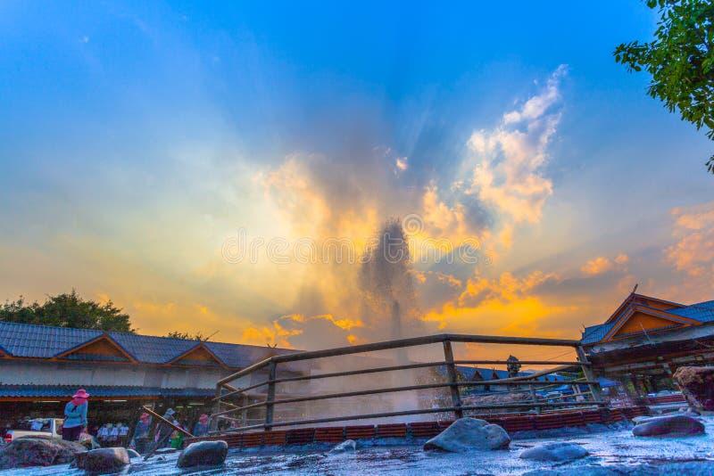 Mae Kajan Hot Spring på Wiang PA Pao Chiang Rai Thailand royaltyfri bild