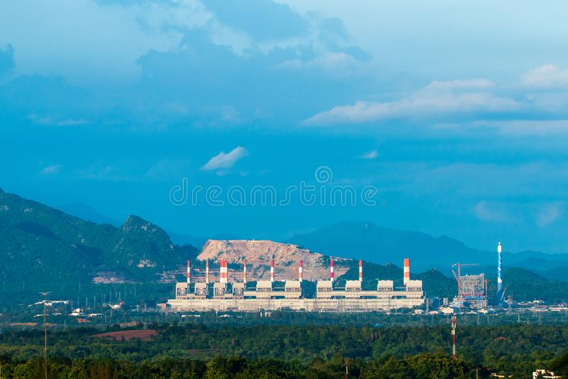 Mae Moh węgla elektrownia w Lampang, Tajlandia zdjęcia stock