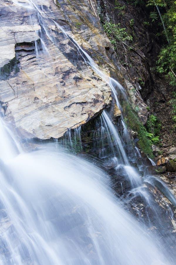 Mae Tia siklawa, Ob płuca park narodowy w Chiangmai Tajlandia obrazy royalty free