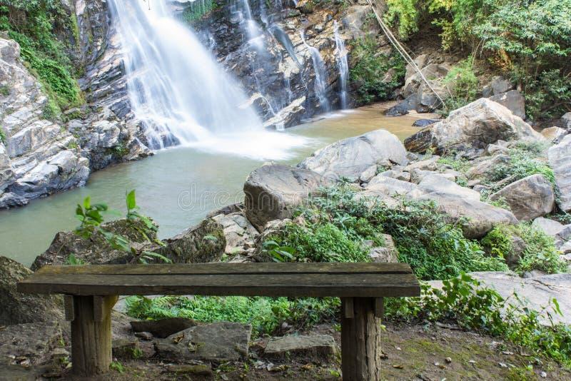Mae Tia siklawa, Ob płuca park narodowy w Chiangmai Tajlandia obrazy stock