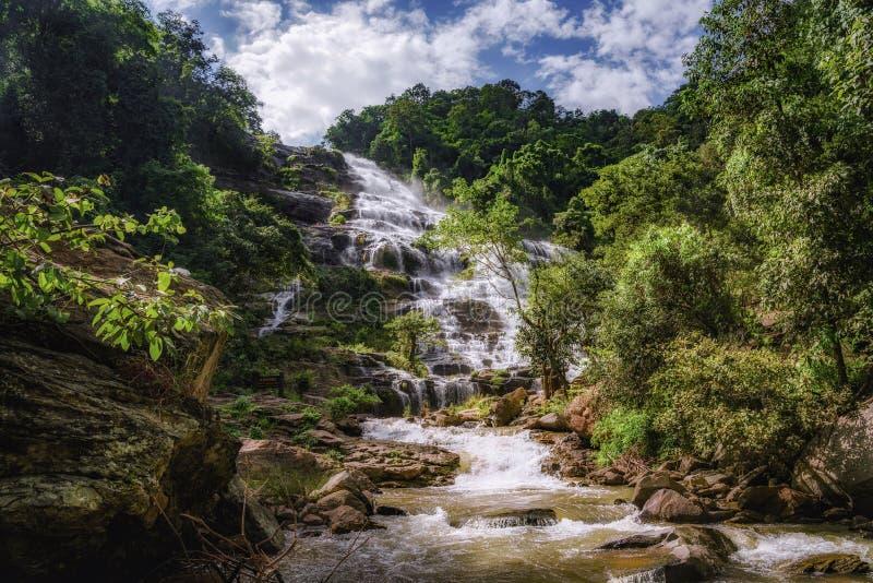 Mae Ya Waterfall, parco nazionale di Doi Inthanon, Chiang Mai, Tha immagini stock libere da diritti