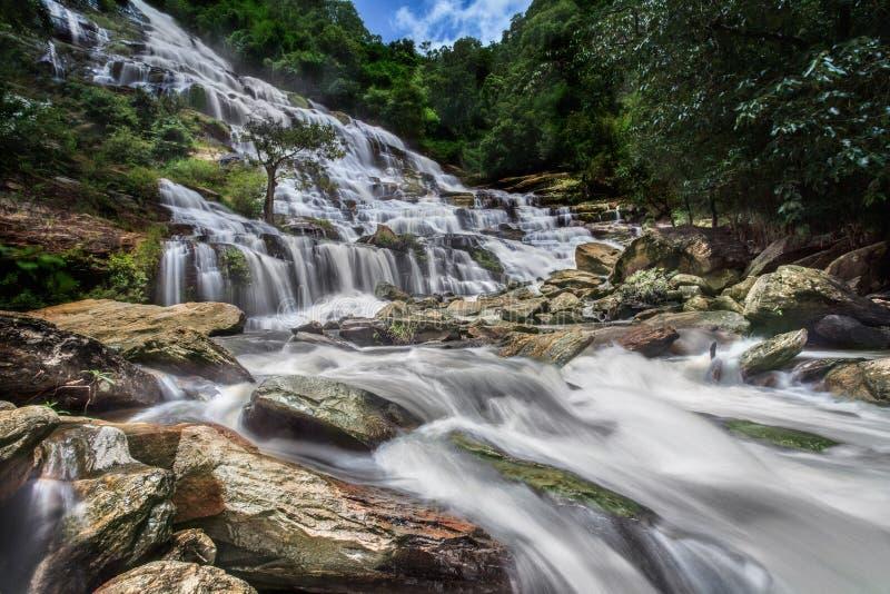 Mae Ya-waterval stock afbeelding