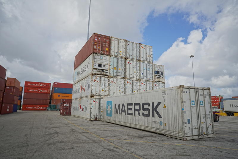 Shipping containers, Port Everglades. TEU FFE dry reefer shipping containers stock photos