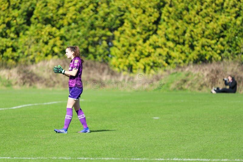 Maeve Williams pendant le match de ligue national des femmes entre les femmes de Cork City FC et le Wexford Youths image stock