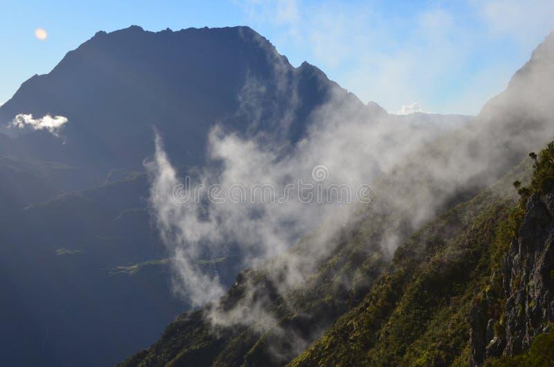 Mafate vulkanische caldera in het Eiland Réunion stock foto's
