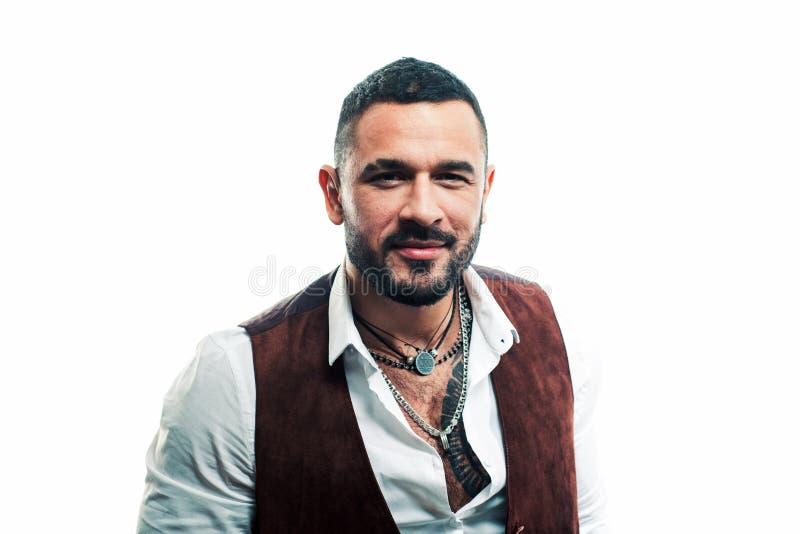 maffiabchef Guy stilig maffiabchef Latino mode Man är väl groomerad modig macho Han har kläder och royaltyfri bild