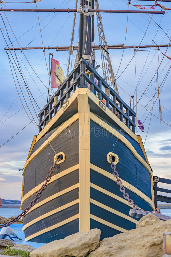 Magallanes statku repliki zabytek, Puerto San Juliański, Argentyna fotografia stock