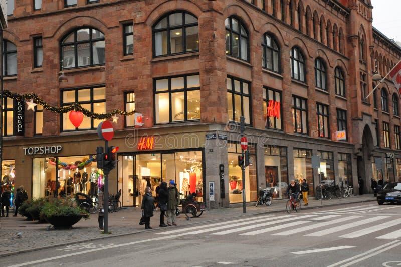 Magasin détaillant suédois de H&M à Copenhague Danemark images libres de droits