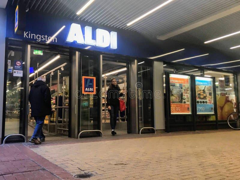 Magasin d'Aldi, Londres photographie stock libre de droits