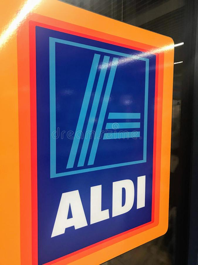 Magasin d'Aldi, Londres image stock