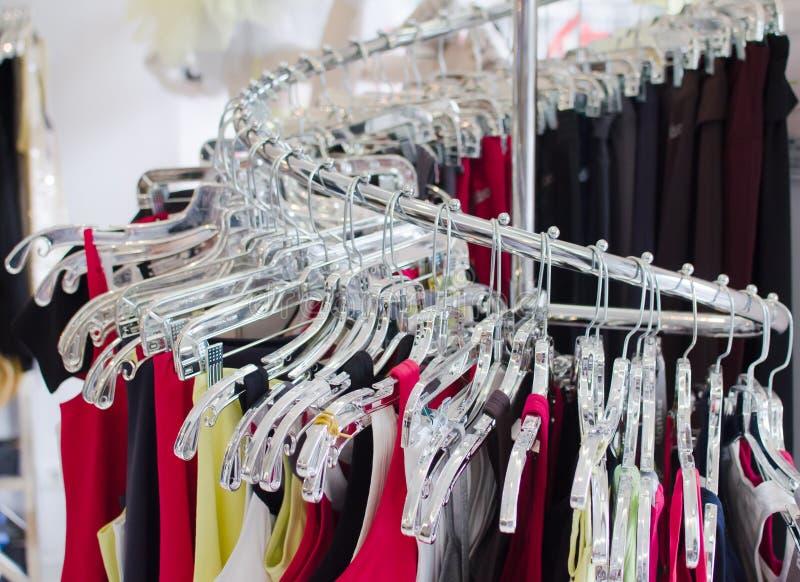 Magasin d'habillement photographie stock libre de droits